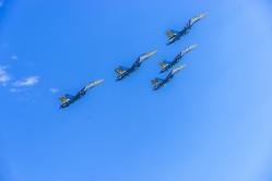 Витязи уходят в небо (фото Ольги Харчевой)